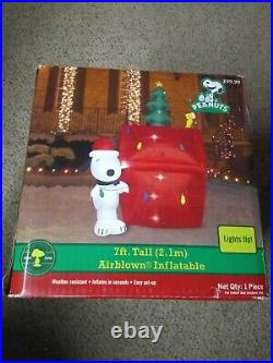 7 FT WIDE GEMMY CHRISTMAS PEANUTS SNOOPY WOODSTOCK INFLATABLE Lights Up