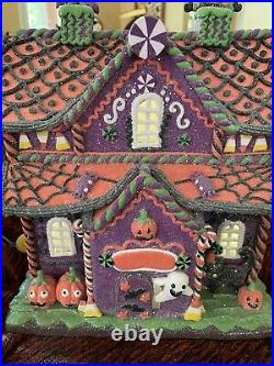 Halloween Gingerbread House Light Up Haunted House Witch in Chimney 12 Tall NEW